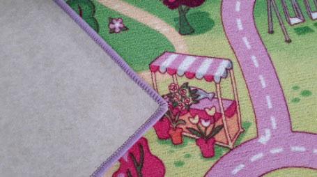 Детски килим Сладък град за момиче с филцова подложка (вата)